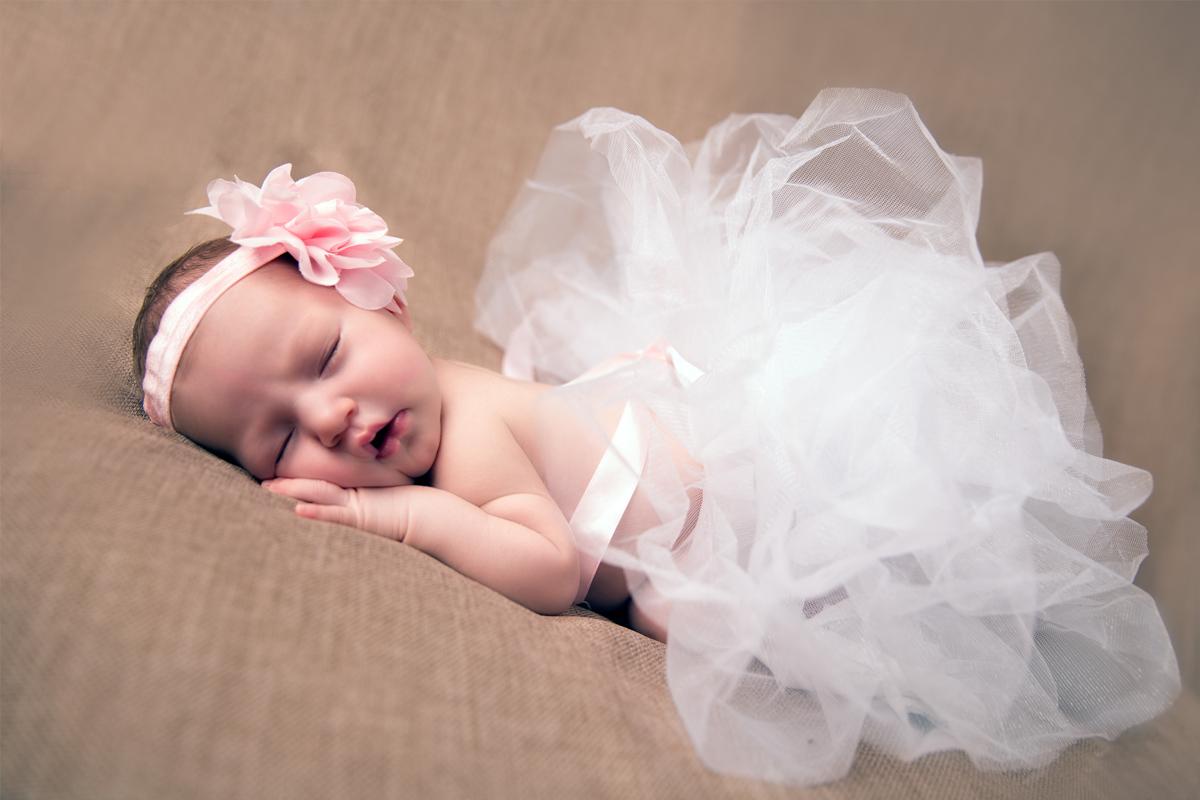 Newborn 2.jpg