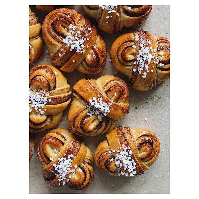 Cinnamon buns, everyday @pcoffeebrewers