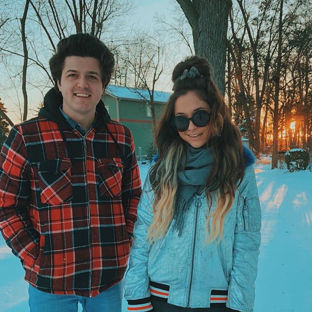 Pick a team: playing outside in the snow (Lizzy), or drinking hot chocolate inside (Matt). Comment below! ⬇️❄️☕️