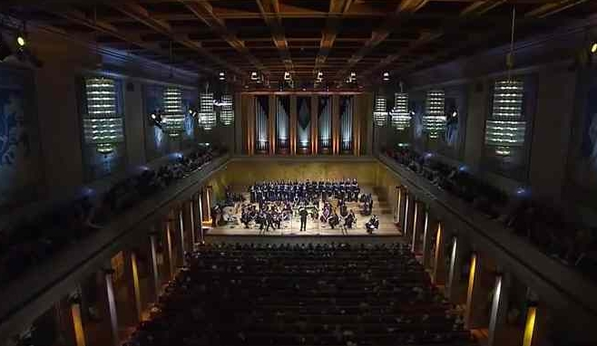 Messiah (G.F. Händel) - Live from the Herkulessaal, Munich November 2014, Chor des Bayerischen Rundfunks, B'Rock Ghent, Peter Dijkstra, cond., Julia Doyle, soprano, Lawrence Zazzo countertenor, Steve Davislim, tenor, and Neal Davies, bassClick to view