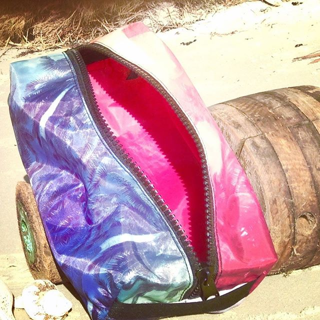 MOTHERS DAY GIVEAWAY  Go back one post and enter to win this fab Palm Tree Utility Bag made with 💖 from upcycled sails and tents diverted from landfill.  #beach#giveaway#mothersday#iloveyou#ecofriendly#upcycled#yacht#sailing#win#surf#coastaldecor#design#style#palmtree#fallsfestival#zerowaste#hotpink