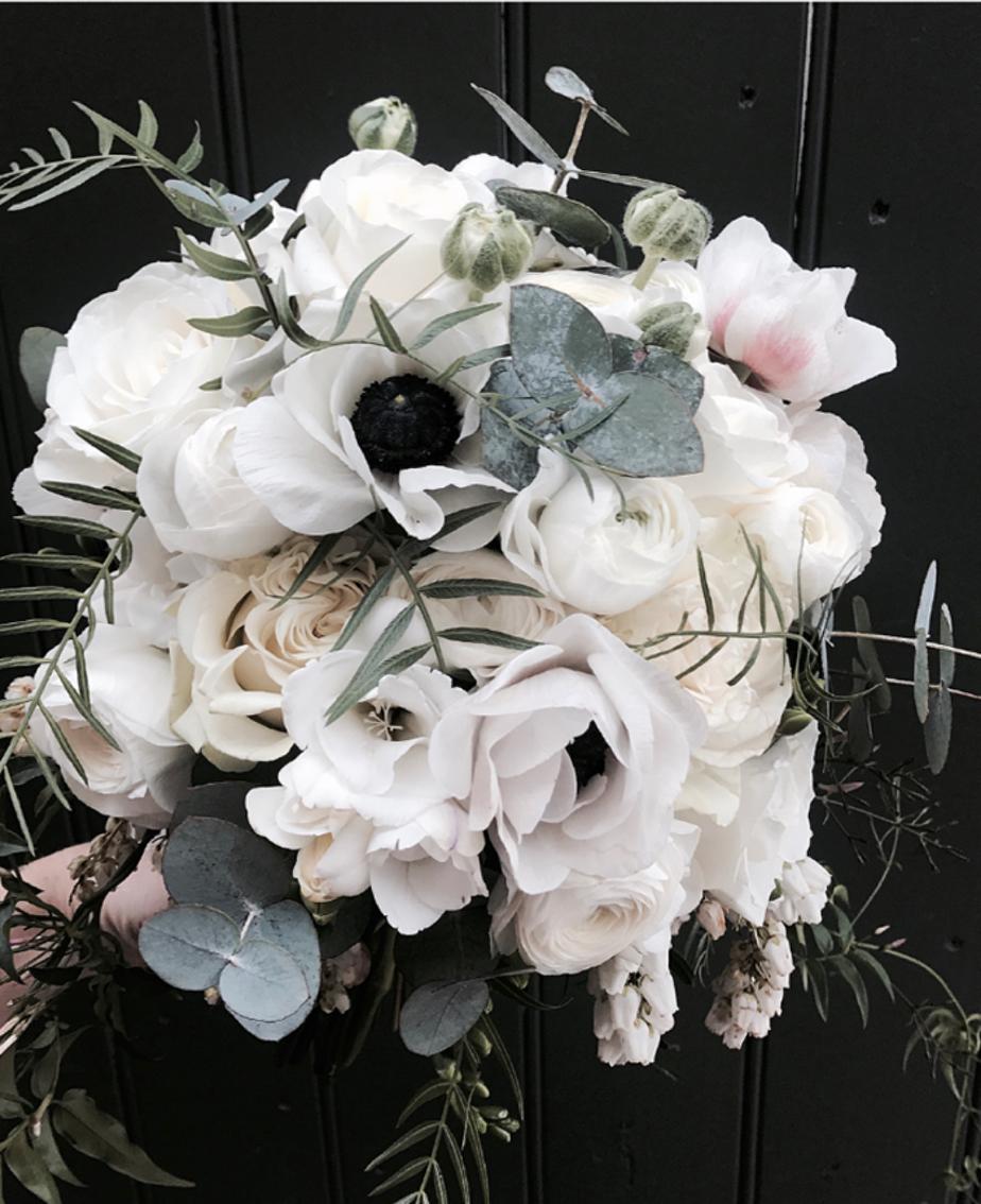 white anemone bouquet.jpg