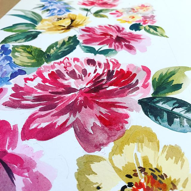 Sometimes when painting I go a bit too heavy on the paint...so try and slowly build up the colours and layers... but as we know it's all about practicing your art..I'm always learning aren't you?.. #wearethemadahers #practicepainting #dsfloral #florals #getcreative #watercolour #flowers #designer #teacher #student #learner #commission #paint #artist