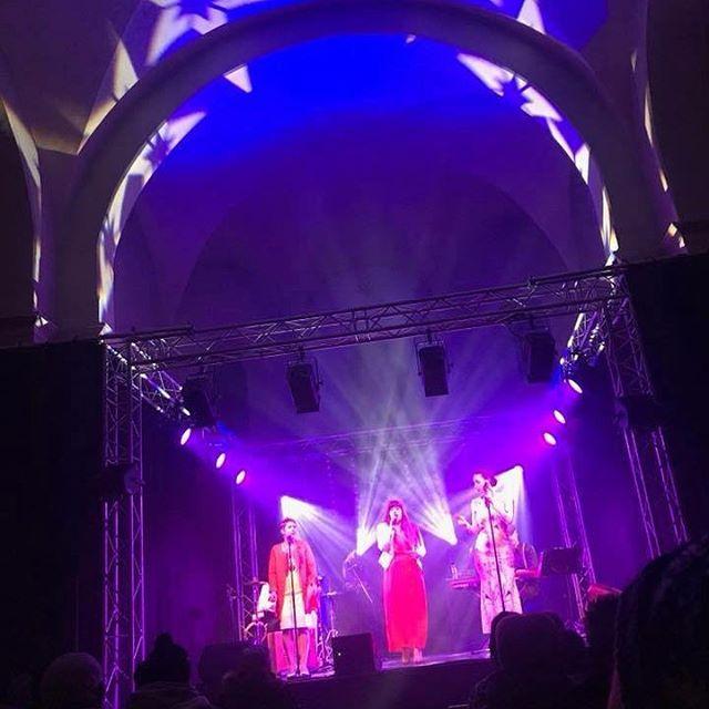 Ananda live à Bonneval-sur-Arc #whatanight #gospel #singer #rencontres #bonnevalsurarc #snow #festival