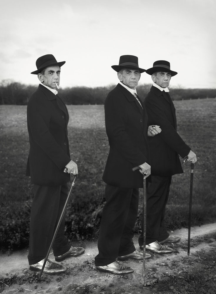 Copy of « LOOKING FOR THE MASTERS IN RICARDO'S GOLDEN SHOES #9 (TRIBUTE TO AUGUST SANDER, YOUNG FARMERS, 1914) » BY CATHERINE BALET