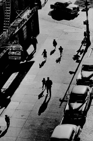 Harold Feinstein - 125th Street From Elevated Train, 1950