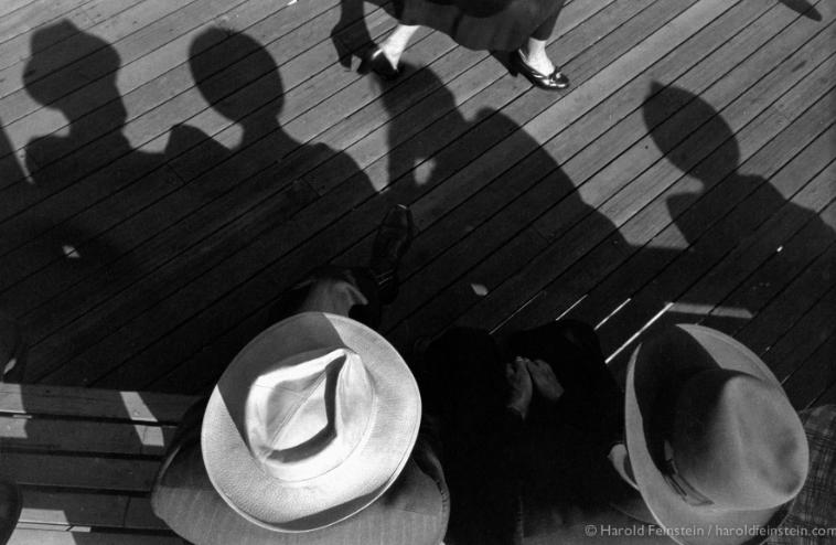 Harold Feinstein - Girl Watching, 1957