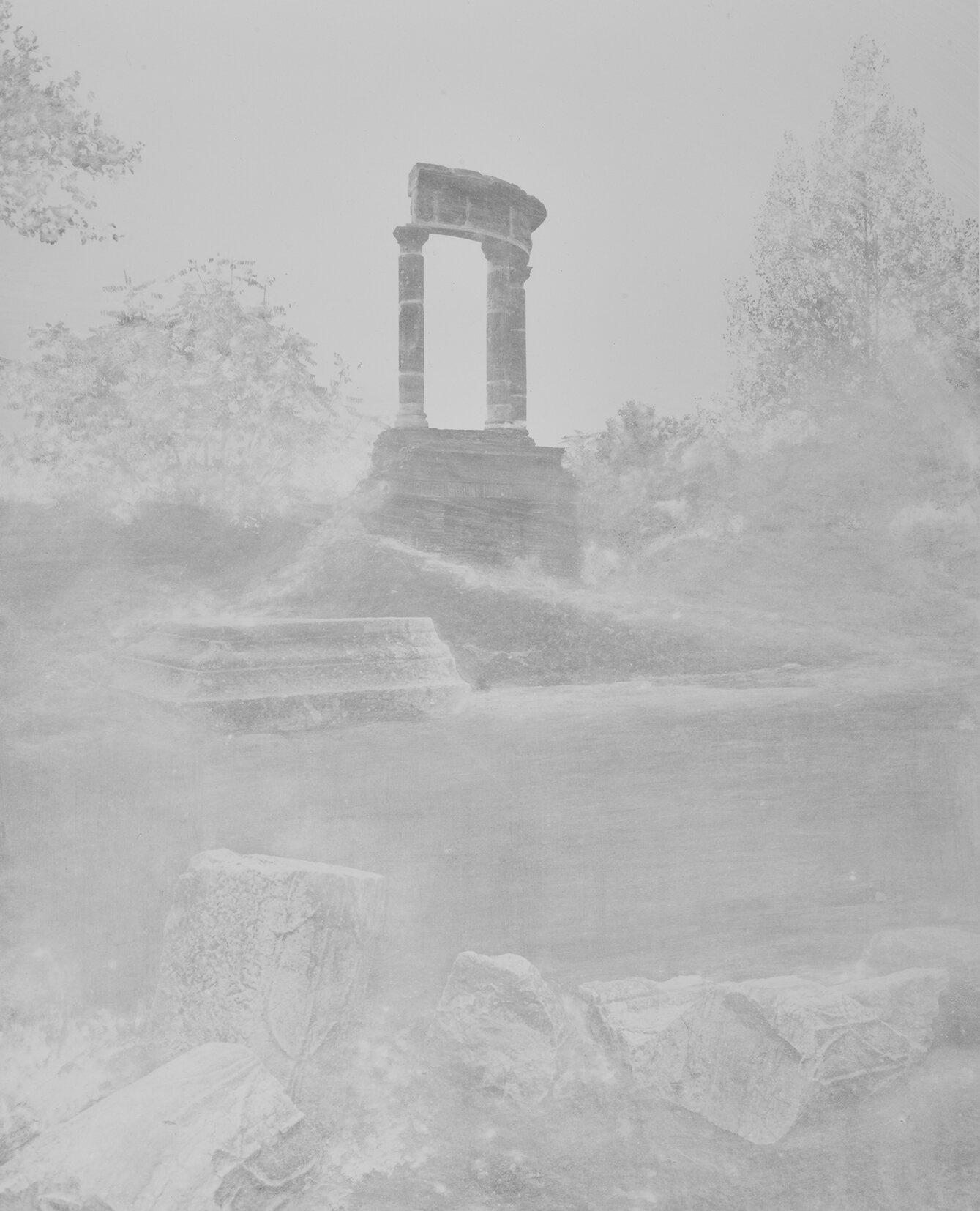 Pompeii_TombofGensIstacida_courtesyGalerieThierryBigaignon.jpg