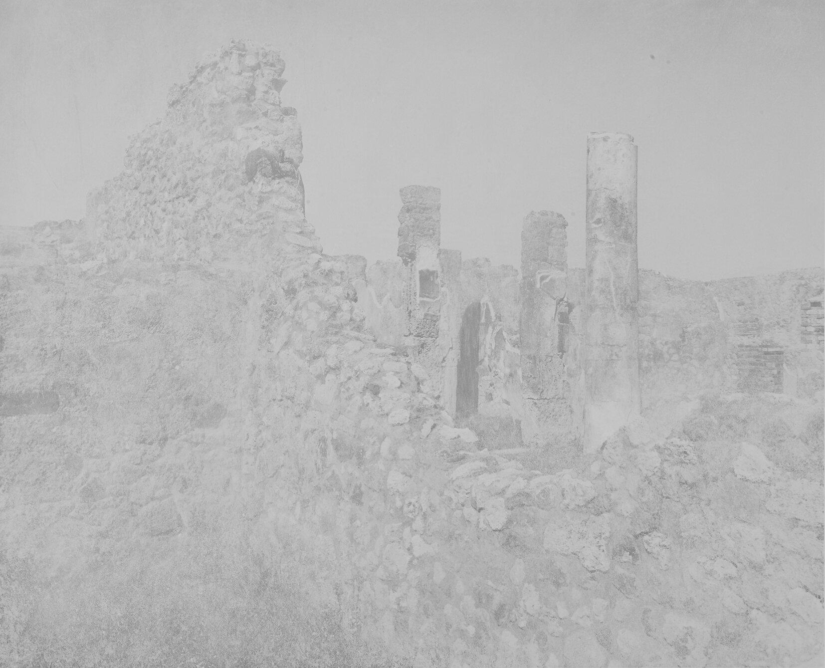 Pompeii_walls_02_courtesyGalerieThierrBigaignon.jpg