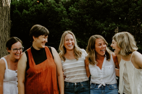 L to R: Liz of LPF, Meg of Rosemarine Textiles, Denyé and Bobbi of Yours By Design, Tyler of Lively Heart Photography