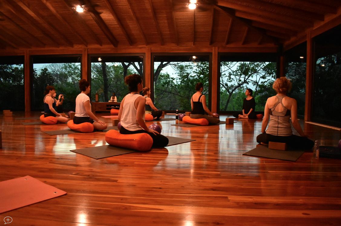 lifeworks-costa-rica-2018-yoga.png