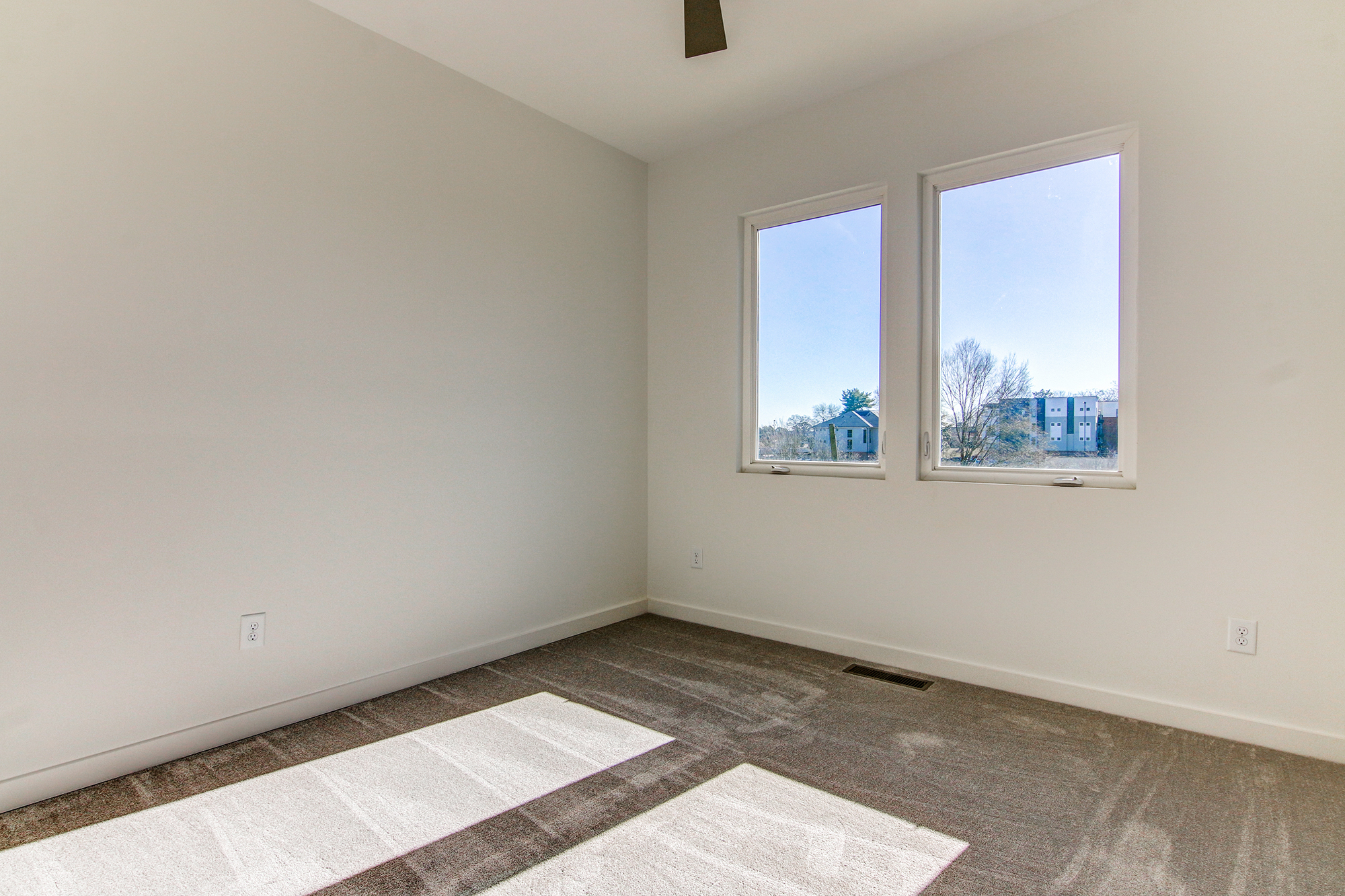 20bedroom-up.jpg