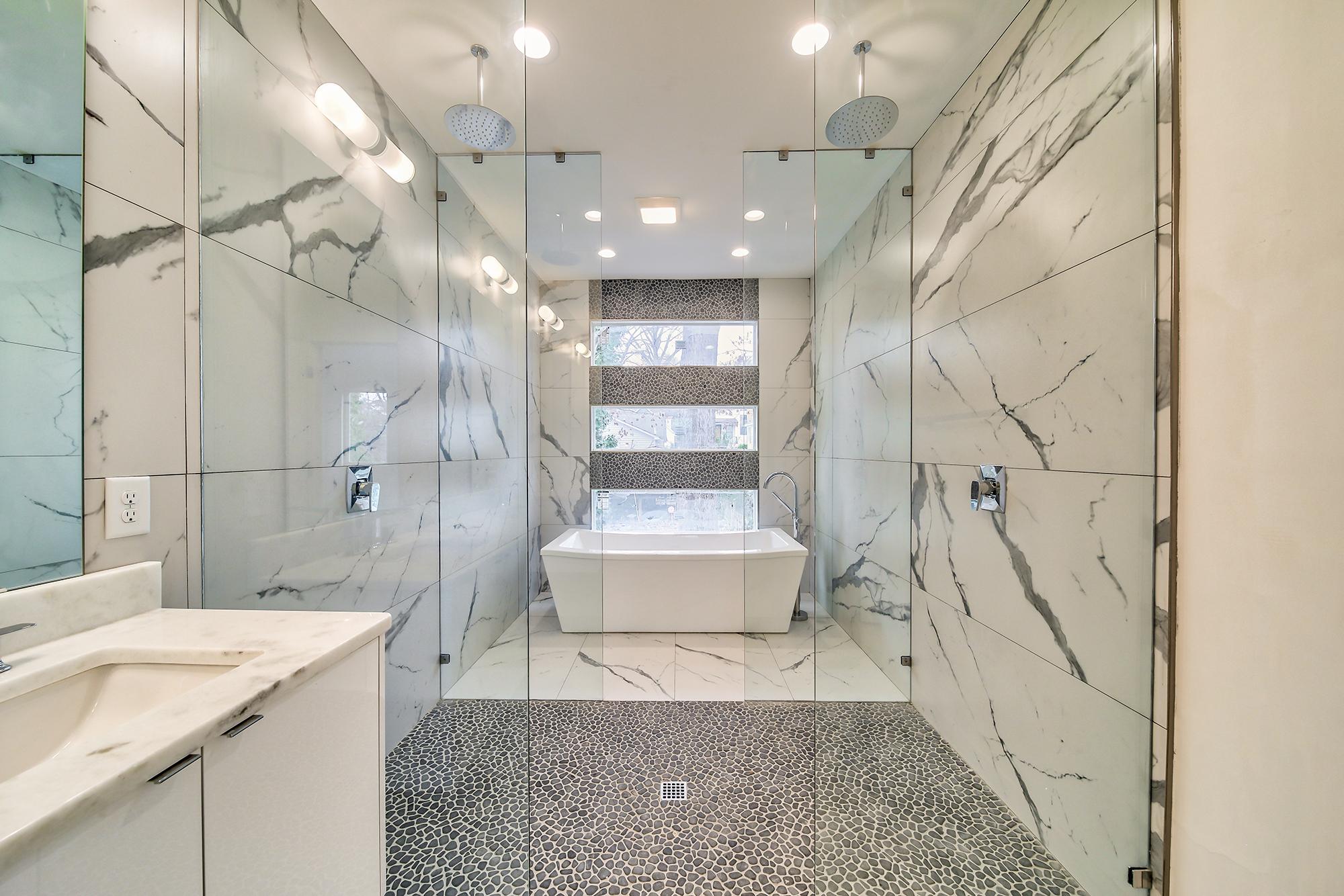 28master-bath.jpg