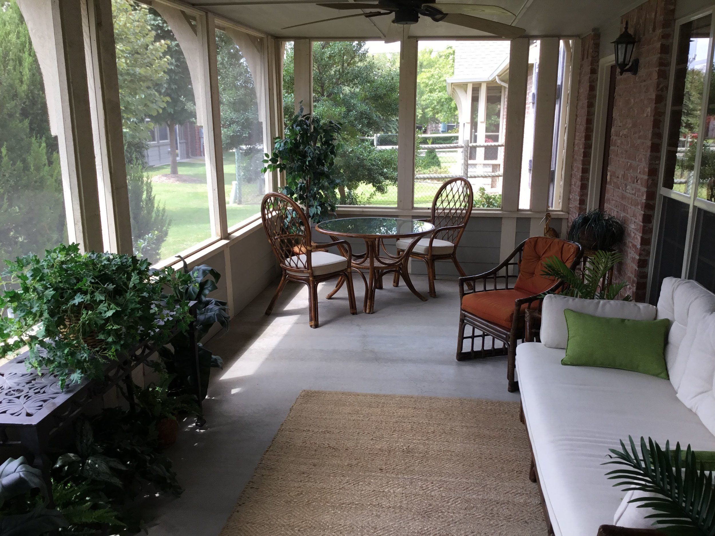 Staging Tulsa - Zarrow Pointe Villas Patio2.jpg