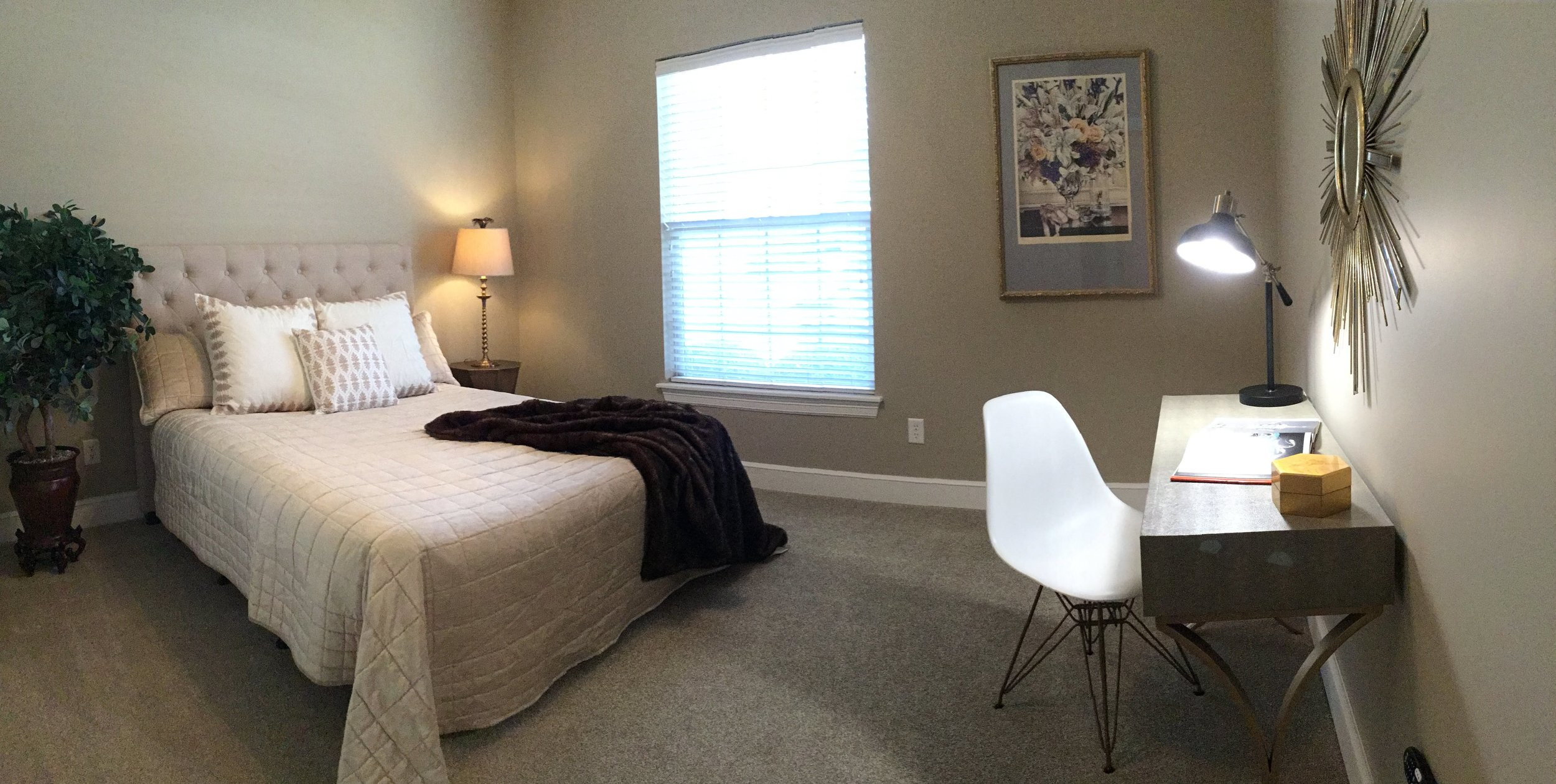 Staging Tulsa - Zarrow Pointe Villas Guest Pano.JPG