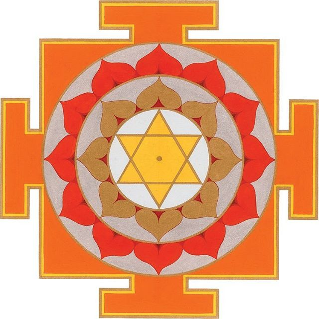 Surya Yantra • The sun is the leader of all celestial bodies in the universe and the primary source of energy that is essential for all life, therefore the Sun (Surya) Yantra conveys a sense of strength & power. • Artwork by @sarahyantra