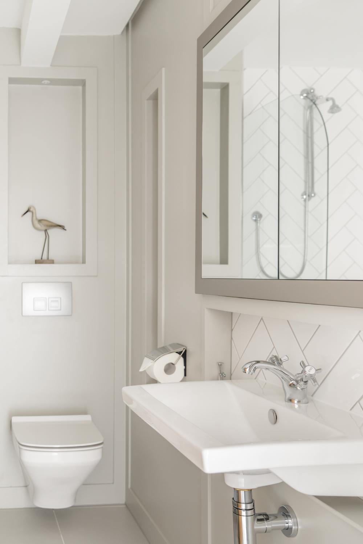 Worthing Builders-ExtraOrdinaryRooms-Arundel renovation Luxurey Bathroom design.jpg
