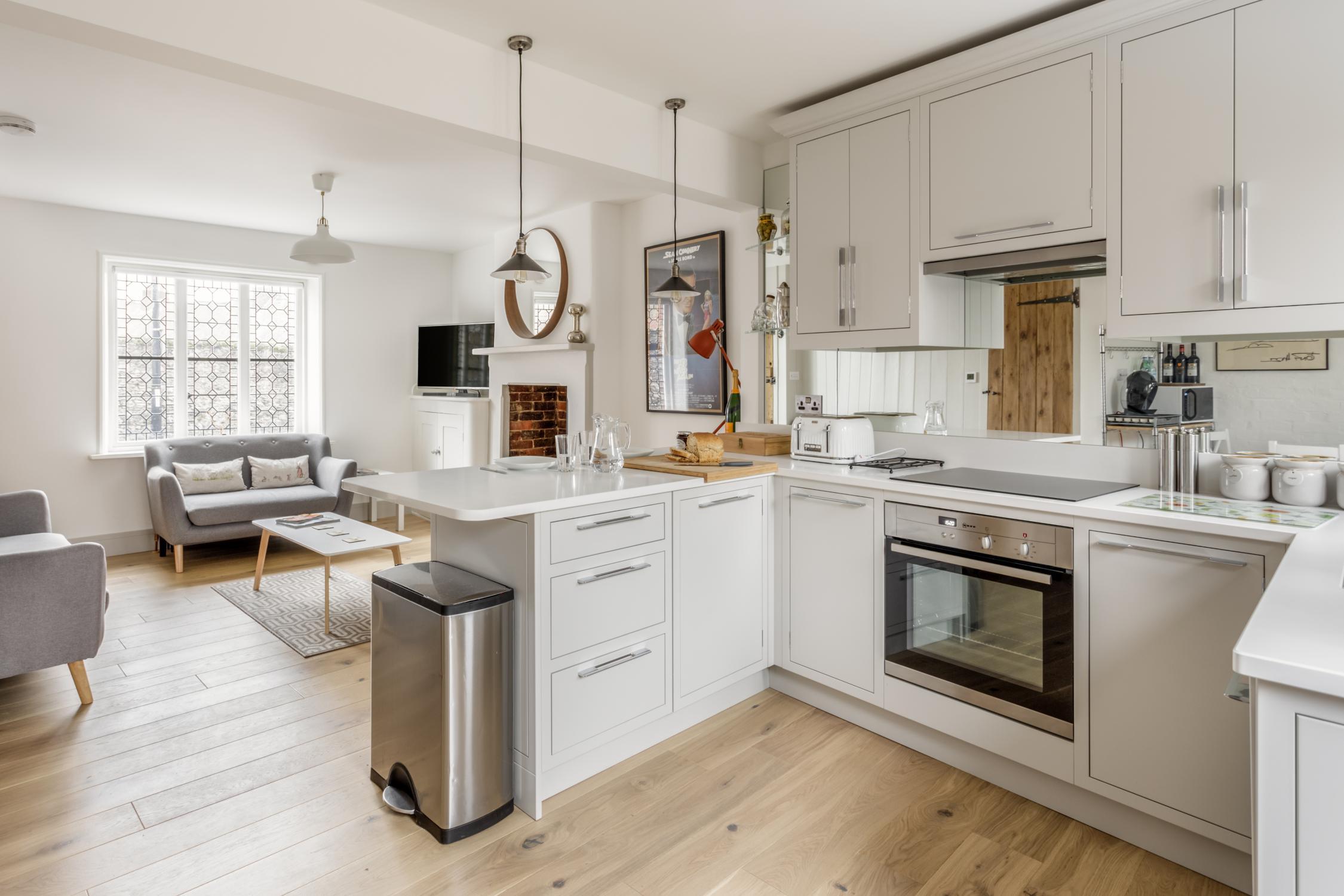 Worthing Builders-ExtraOrdinaryRooms-Arundel renovation open plan living.jpg