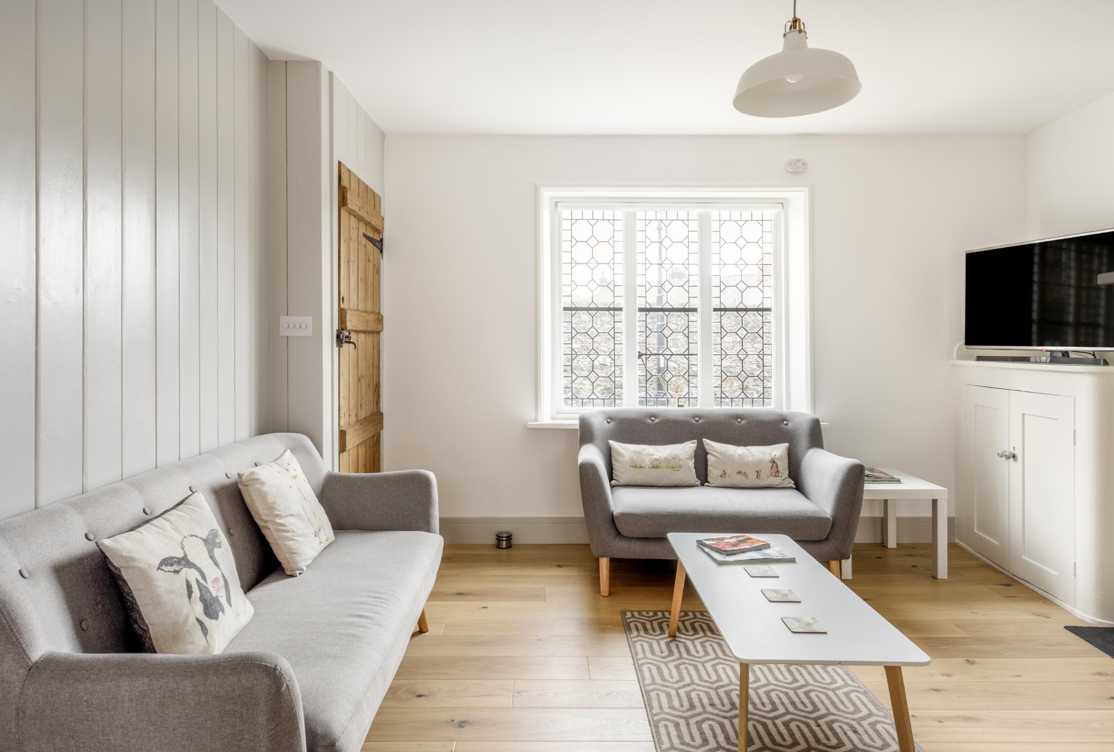 Worthing Builders-ExtraOrdinaryRooms-Arundel renovation period lounge.jpg