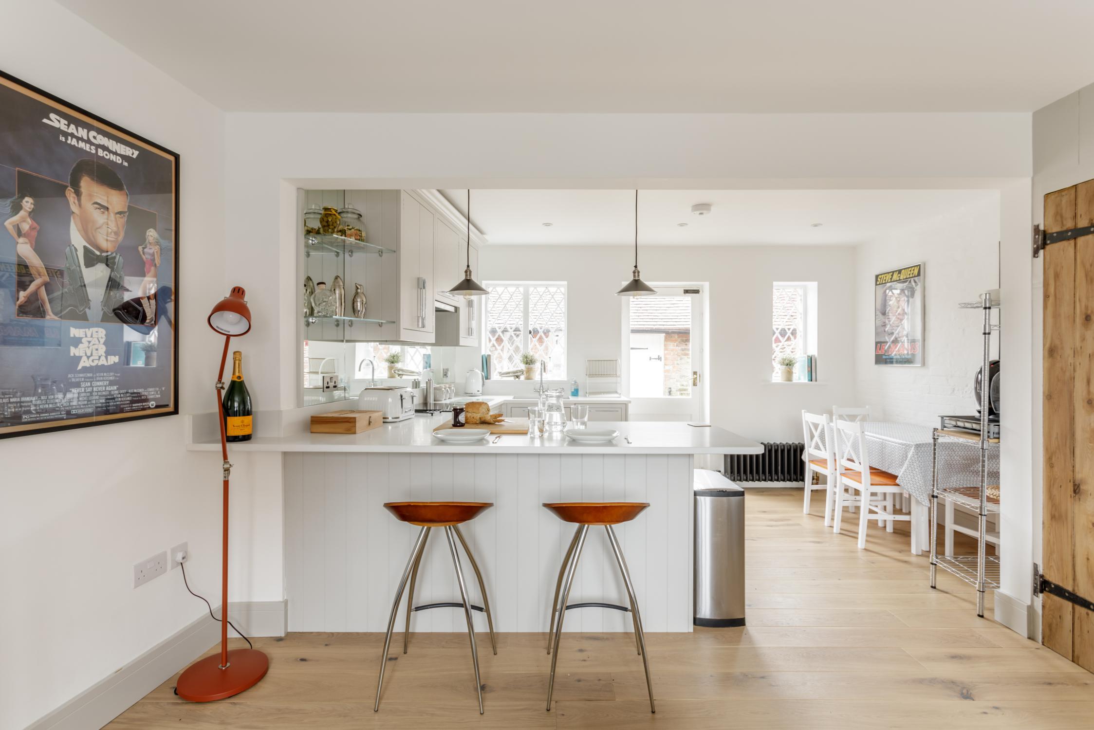 Worthing Builders-ExtraOrdinaryRooms-Arundel renovationperiod open plan living.jpg