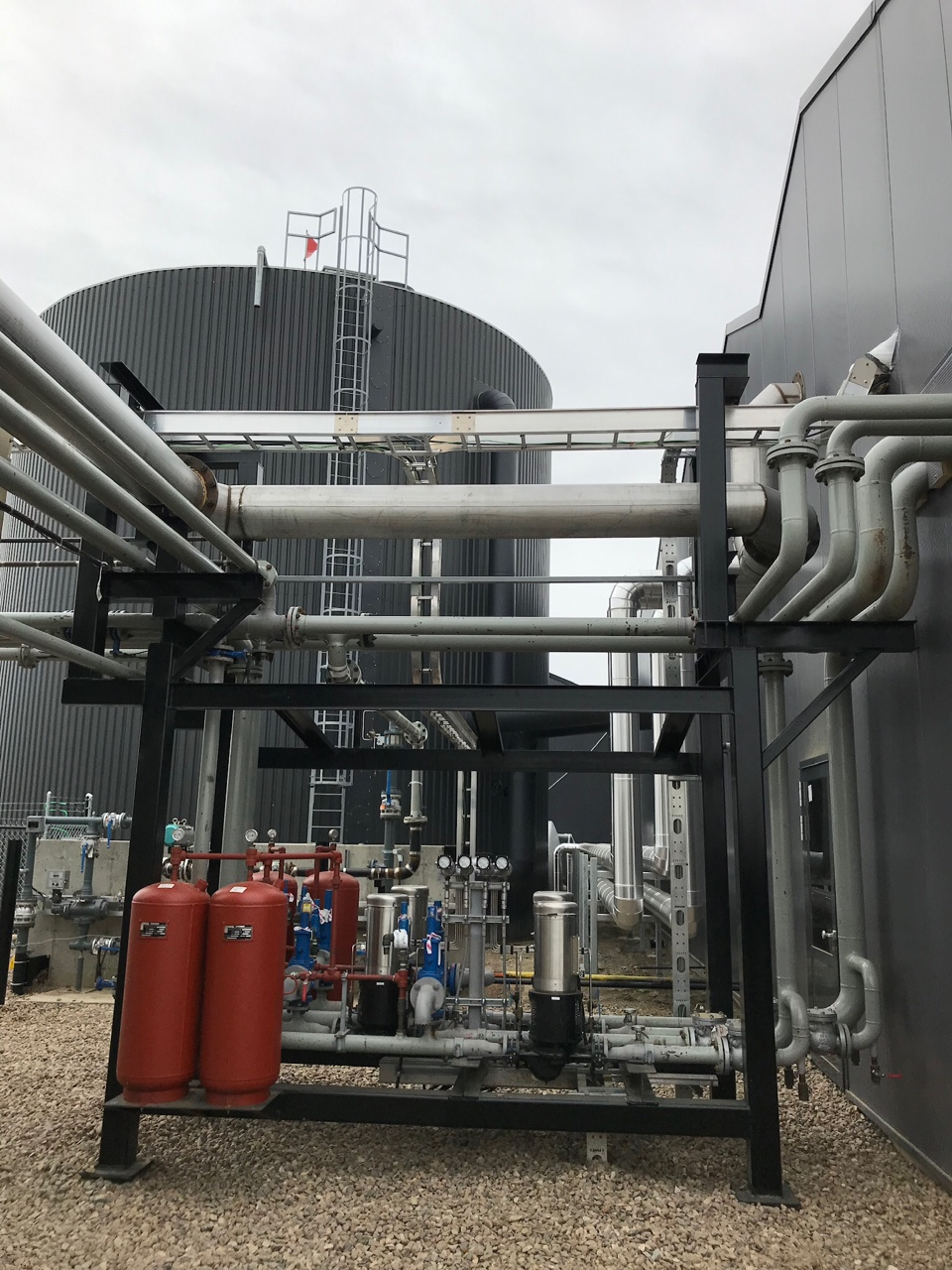 2019-04-09 pumps by HST.JPG