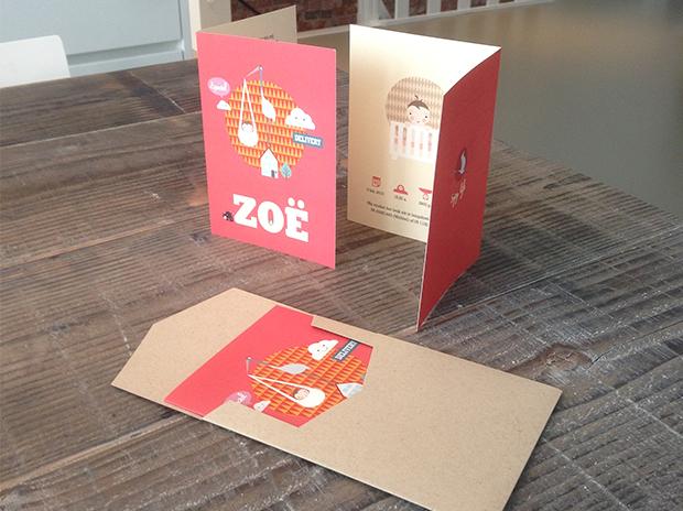 Afbeelding 2 van 4 - Het gedrukte geboortekaartje van onze dochter Zoë, incl. de envelop van kraftpapier