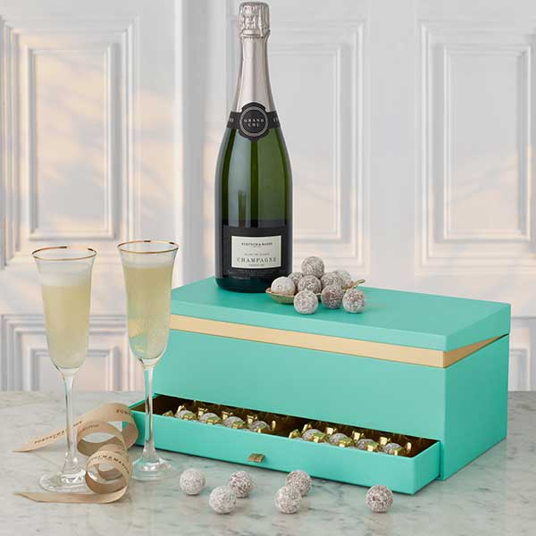 pAETp8Tsacrj8HN9OXGw_2001134-The-Champagne-&-Chocolate-Box.jpg