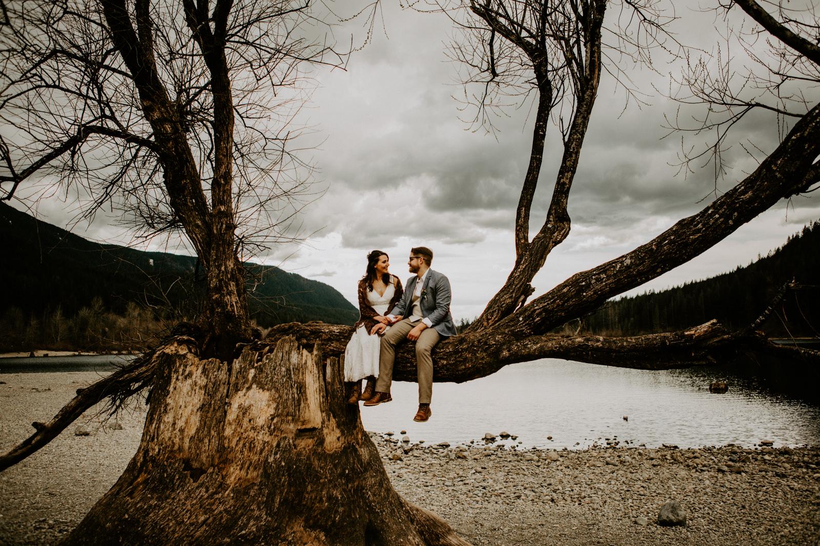 RachelLucusPhotography_Alyssa+Jake_Sneaks-2.jpg