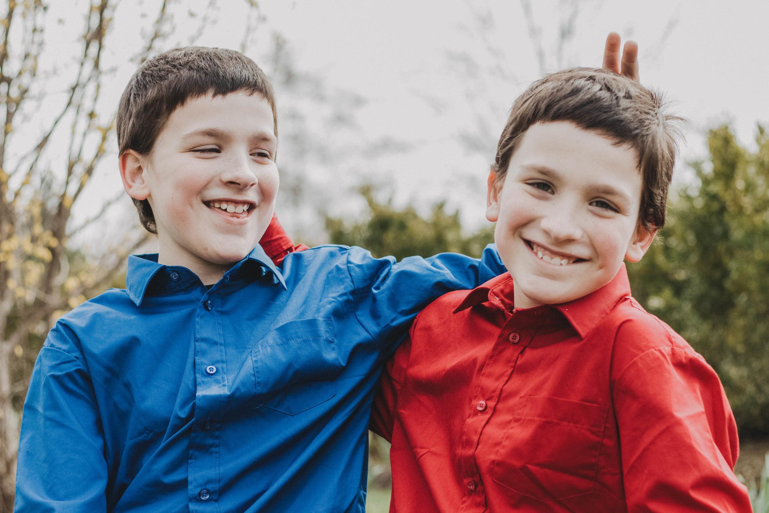 Twin Brothers | Cox Arboretum MetroPark Family Portraits