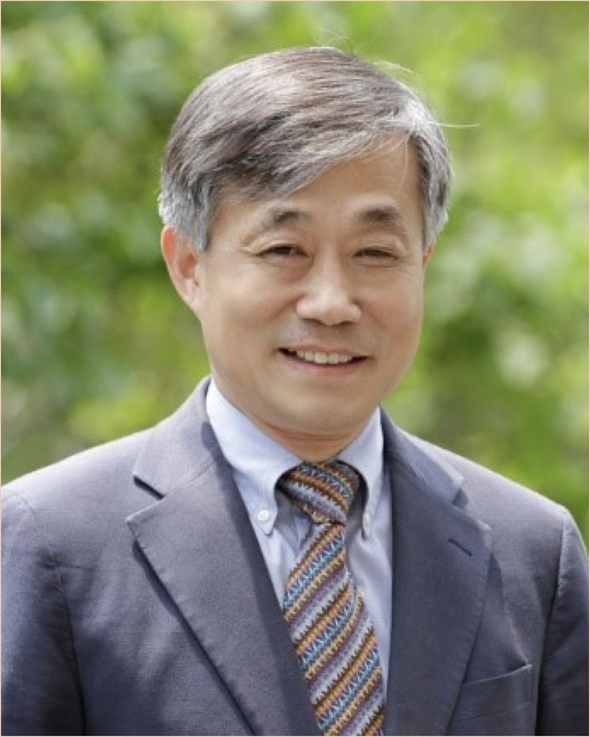 Light Effects on Flowering and Morphogenesis of different Plants                                                                    Prof. Byoung Ryong Jeong -Gyeongsang National University