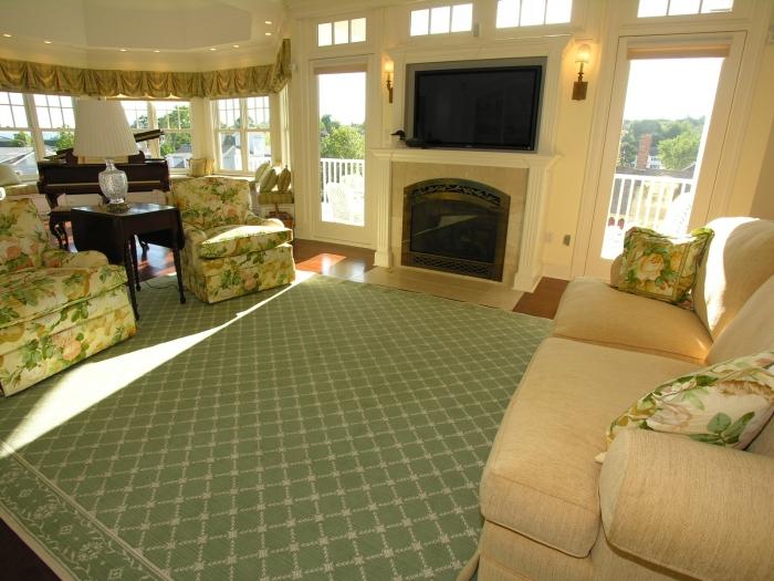 Living room looking out.jpg