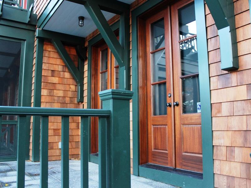 Turner Porch Doors 800x600.jpg