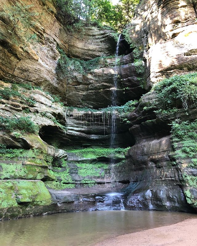 Finally got to Starved Rock the other day and it's probably the best thing I've done since coming back to the Midwest. Was not disappointed 🌲🌳🌱🍃 . #starvedrock #starvedrockstatepark #illinois #midwest #naturetherapy #naturelovers #natureheals #trees #holistichealth #holistichealing #mentalhealth #forestbathing #goodmedicinenutrition