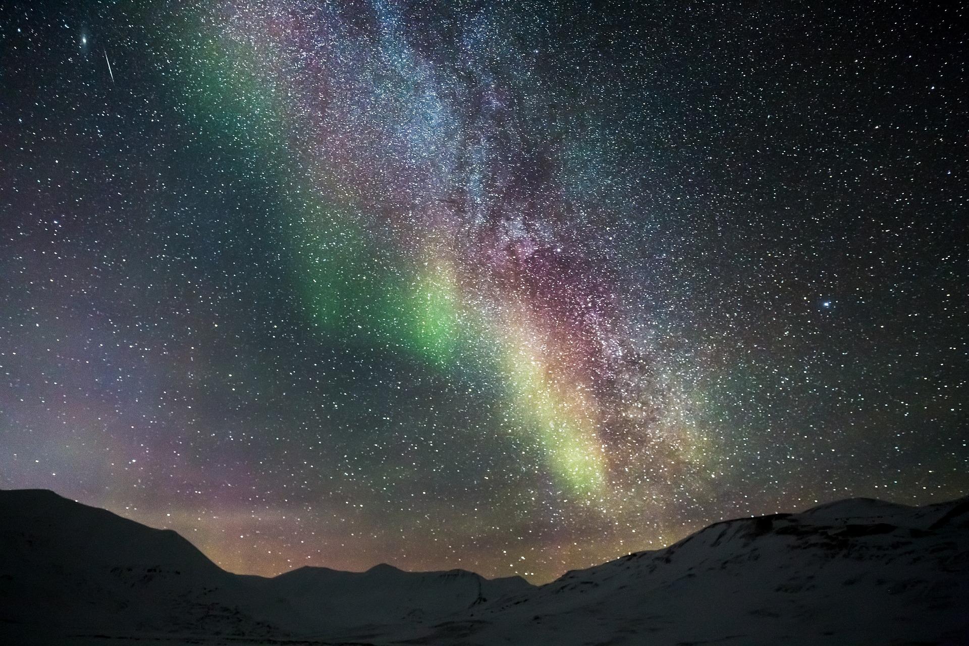 aurora-1197755_1920.jpg