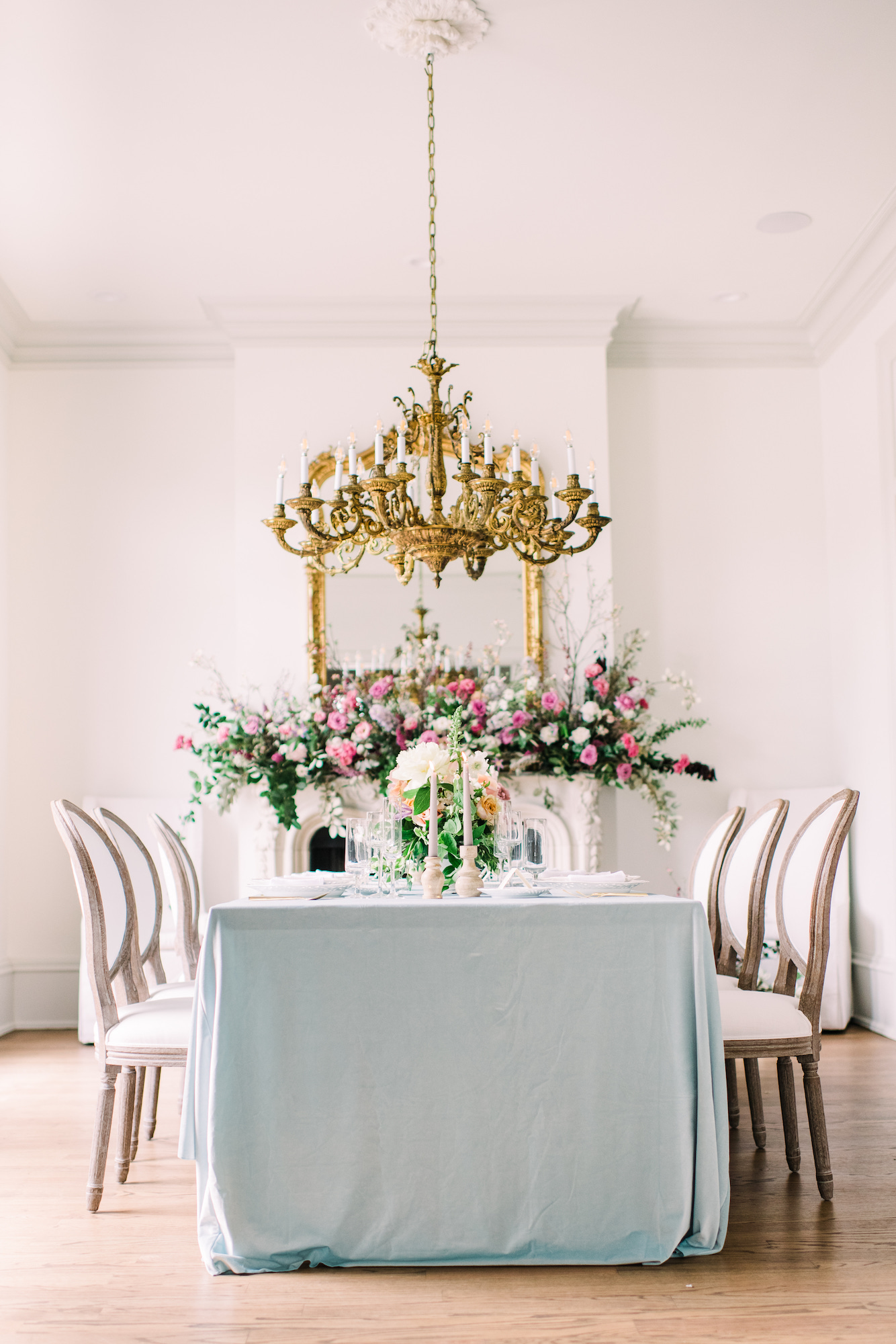 Floral design by KIM TYLER |  SOJOURN WEDDINGS  at  THE CREATIVE CHATEAU  in Houston, Texas. Photo by  KAITI MOYERS PHOTOGRAPHY .