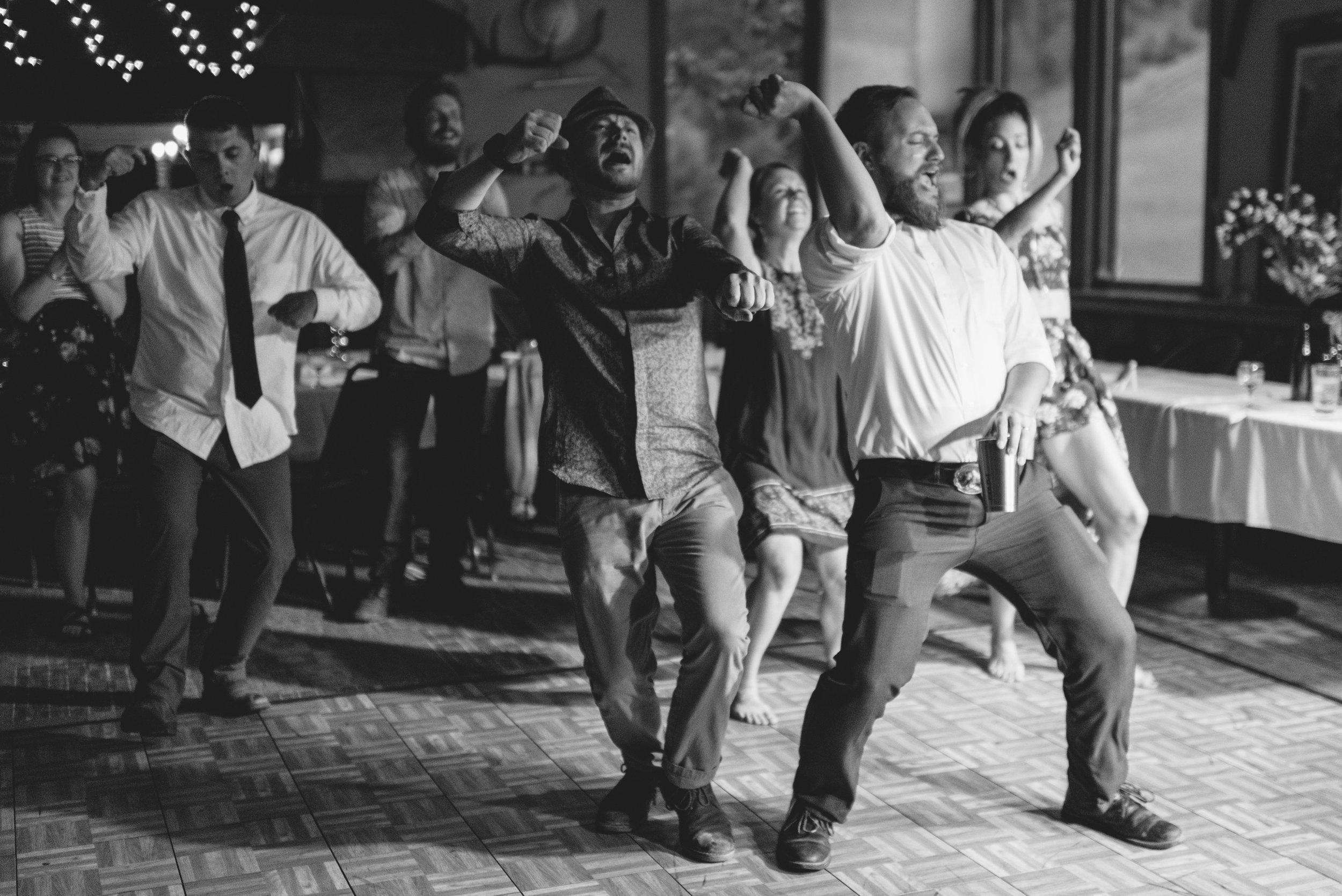 walton_dancing_010.jpg