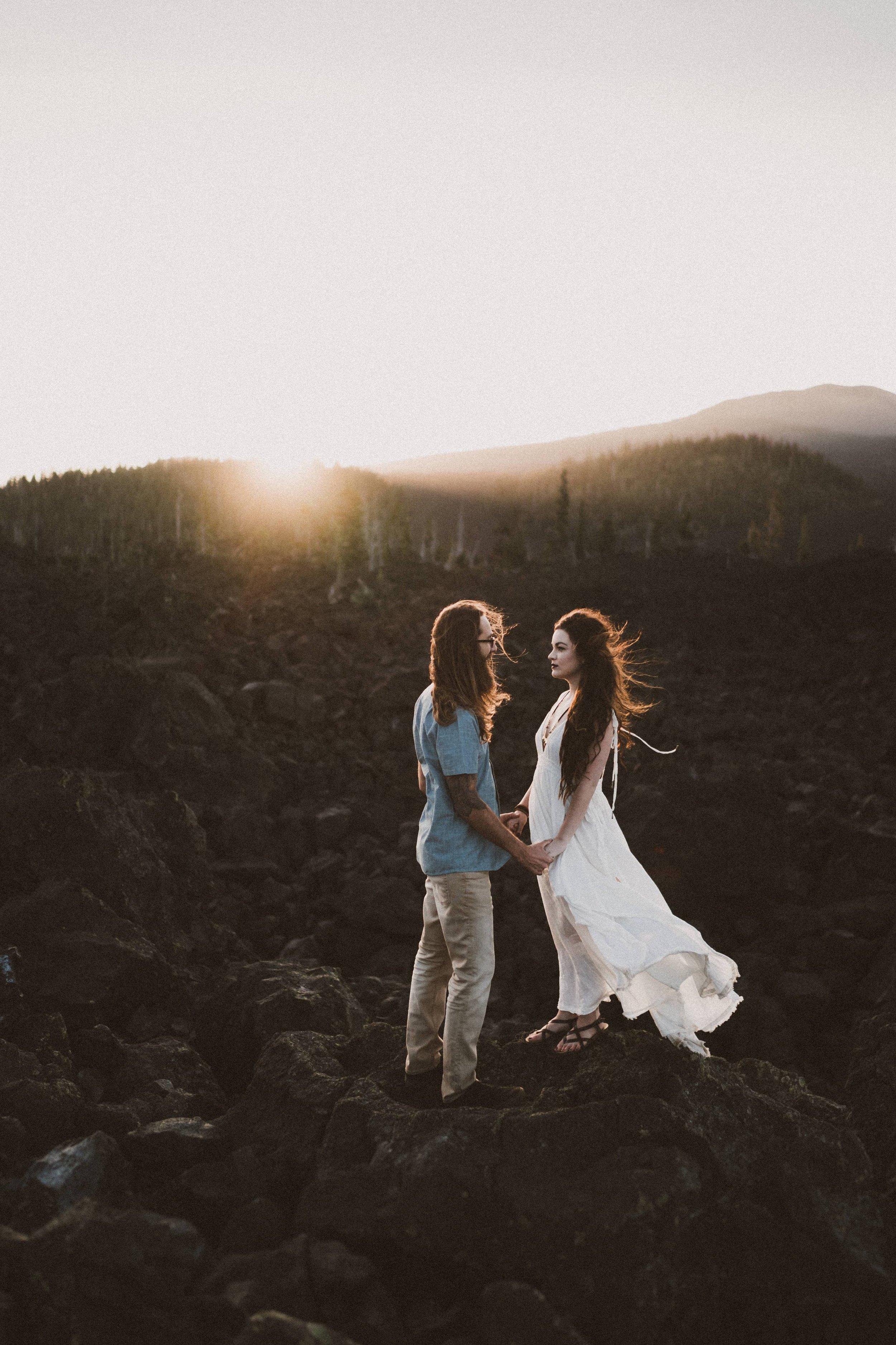 TONY-GAMBINO-BEND-OREGON-TRAVELING-WEDDING-PHOTOGRAPHER-CASCADES-ENGAGEMENT_1470.jpg