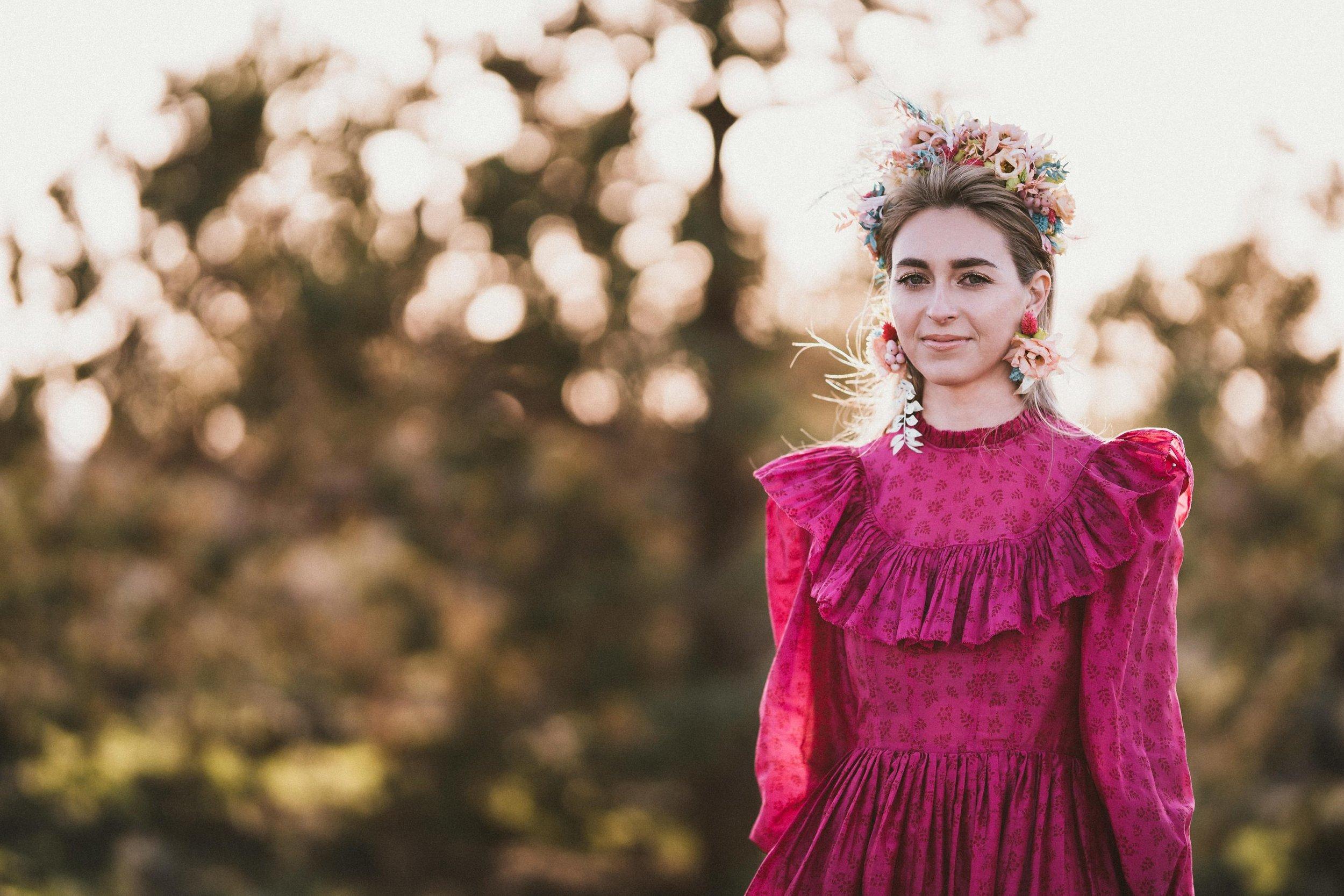 TONY-GAMBINO-PHOTOGRAPHY-BEND-OREGON-WEDDING-SHOOT_1479 Bride Portrait.jpg