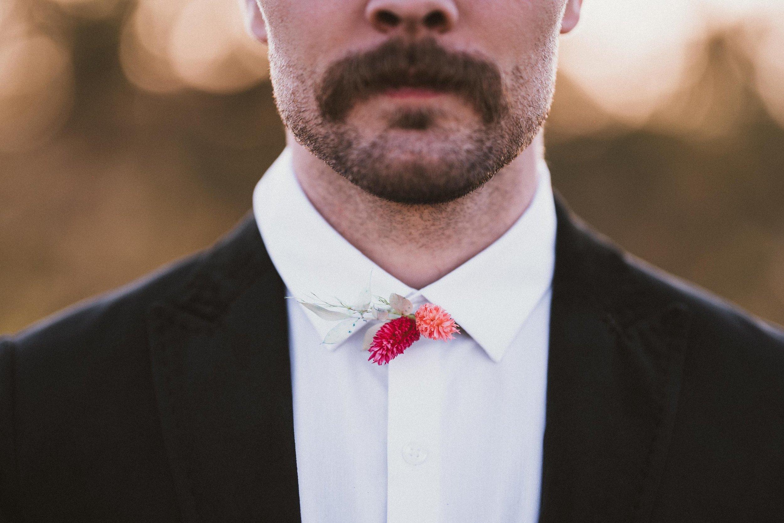 TONY-GAMBINO-PHOTOGRAPHY-BEND-OREGON-WEDDING-SHOOT_1481 Groom Flower Tie.jpg