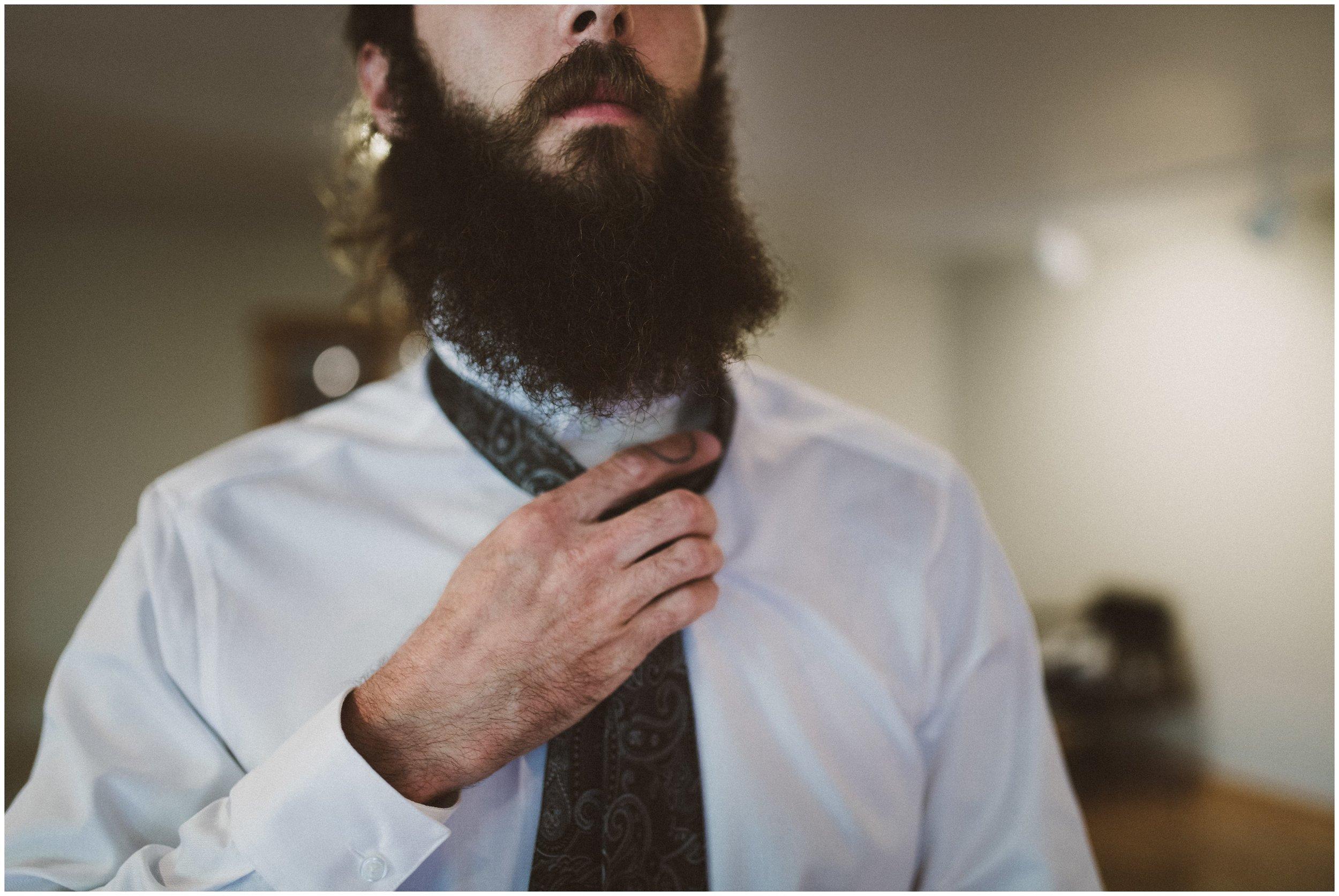 TONY-GAMBINO-PHOTOGRAPHY-BEND-OREGON-WEDDING-SHOOT-000_1507 groom tie.jpg