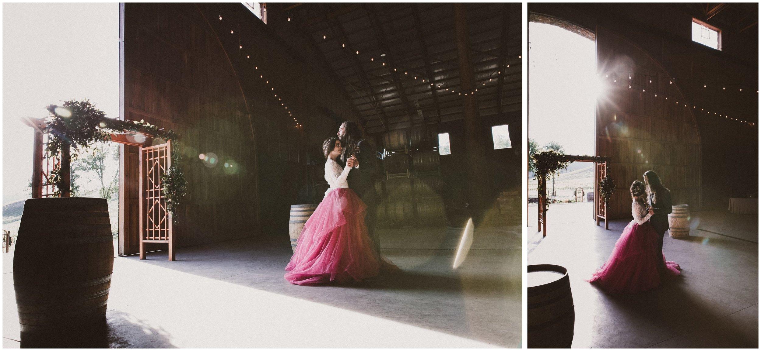 TONY-GAMBINO-PHOTOGRAPHY-BEND-OREGON-WEDDING-SHOOT-000_1533 first dance.jpg