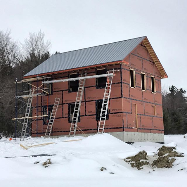 Roof done just in time for the incoming snow storm ✅