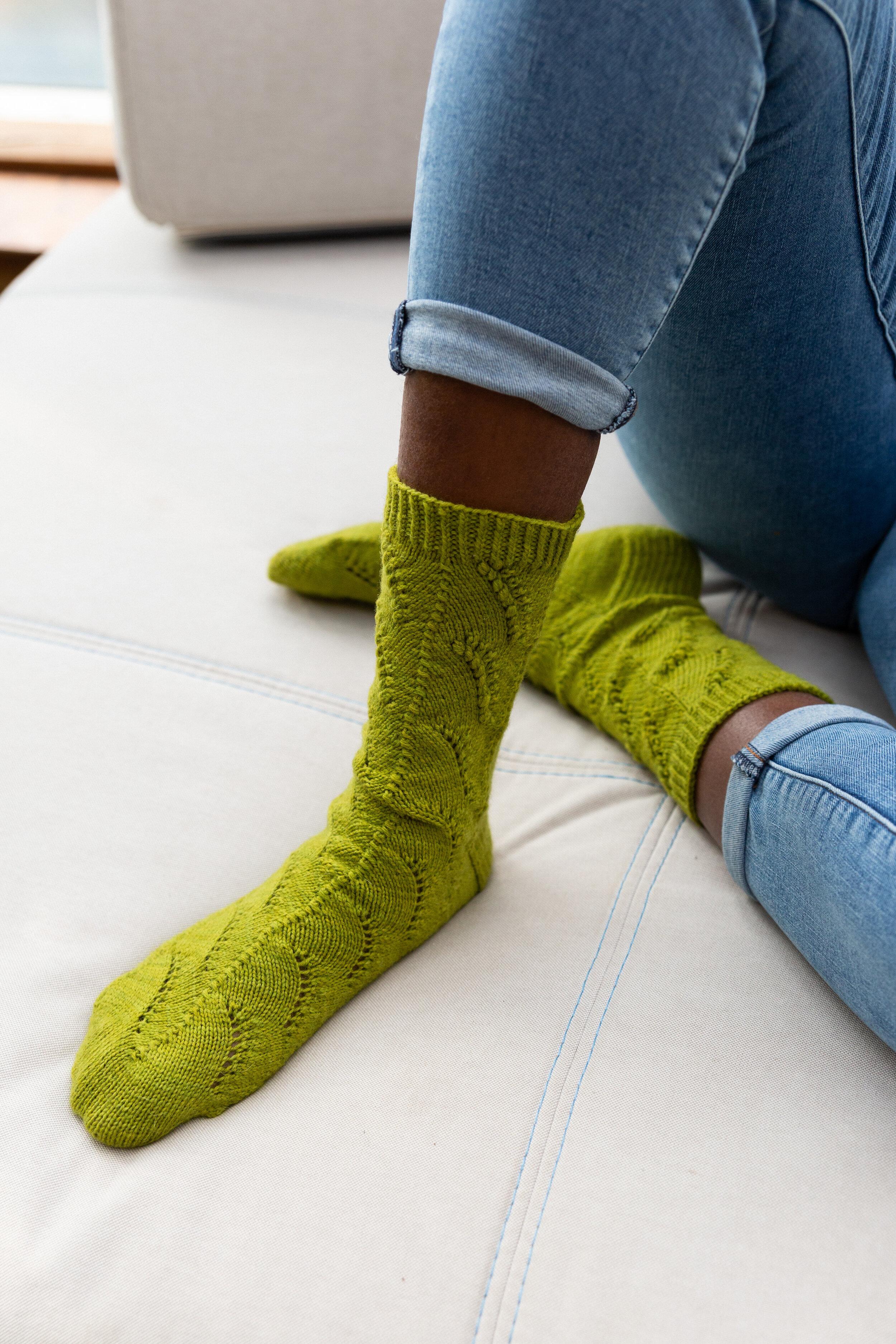 Wild Grass Socks (Fiona Alice, Issue 5), sample knit in Triskelion Yarn Mama Qucha Sock (Kelp)