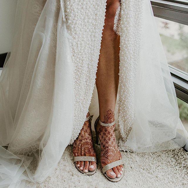 Every pearl, every Mendhi line, every detail...absolute perfection!  HMUA: @bookglowbeauty  Dress: @powderbride.calgary  Mendi: @shazma20