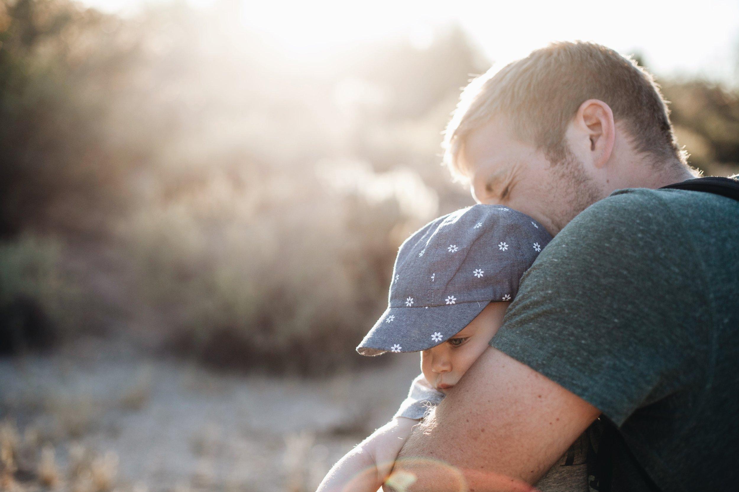 child-cute-dad-105952.jpg