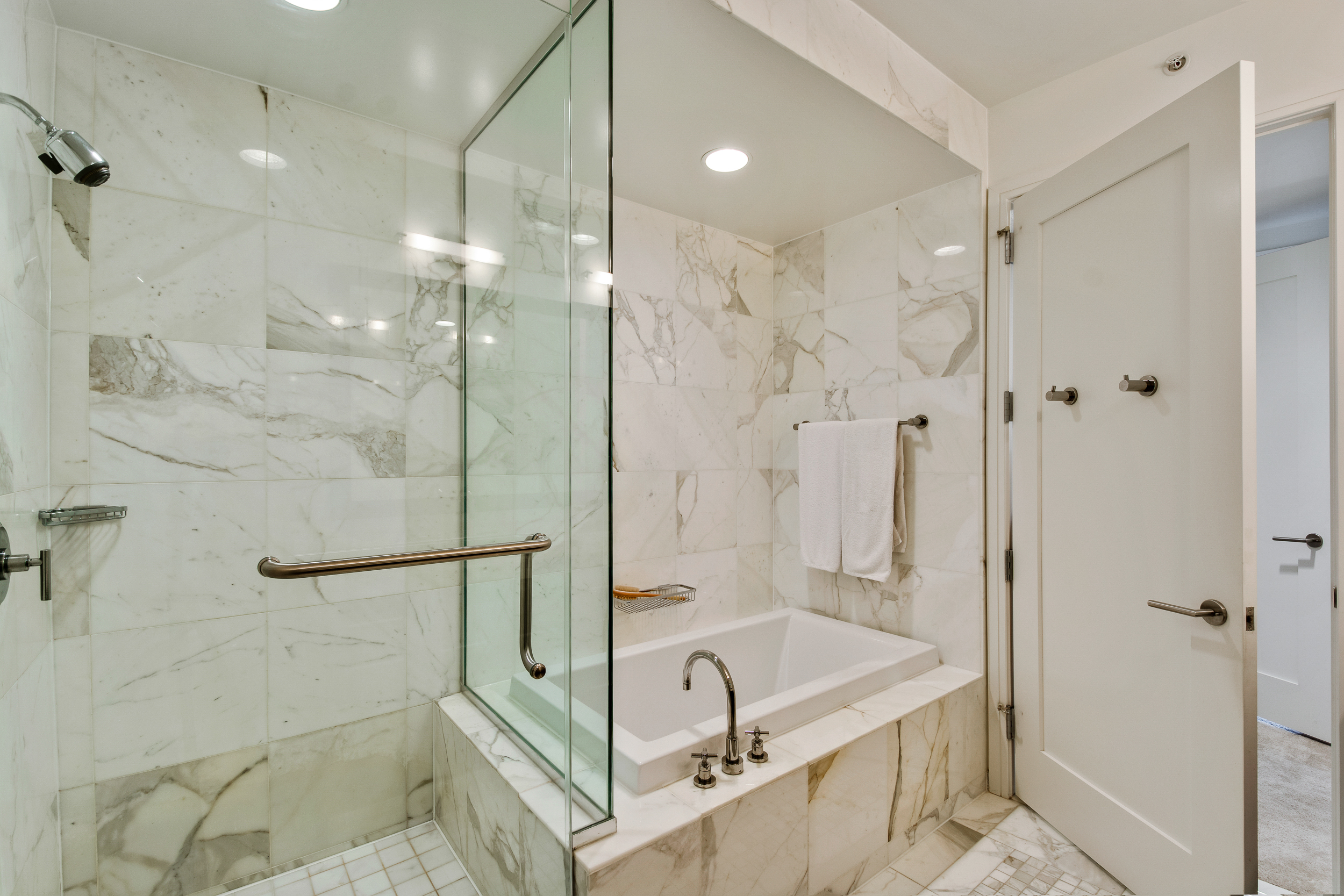 Philadelphia Luxury Home Condo-the ritz carlton residences 20H bryant wilde realty8.jpg
