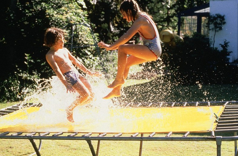 Trampoline / Wellcome Images