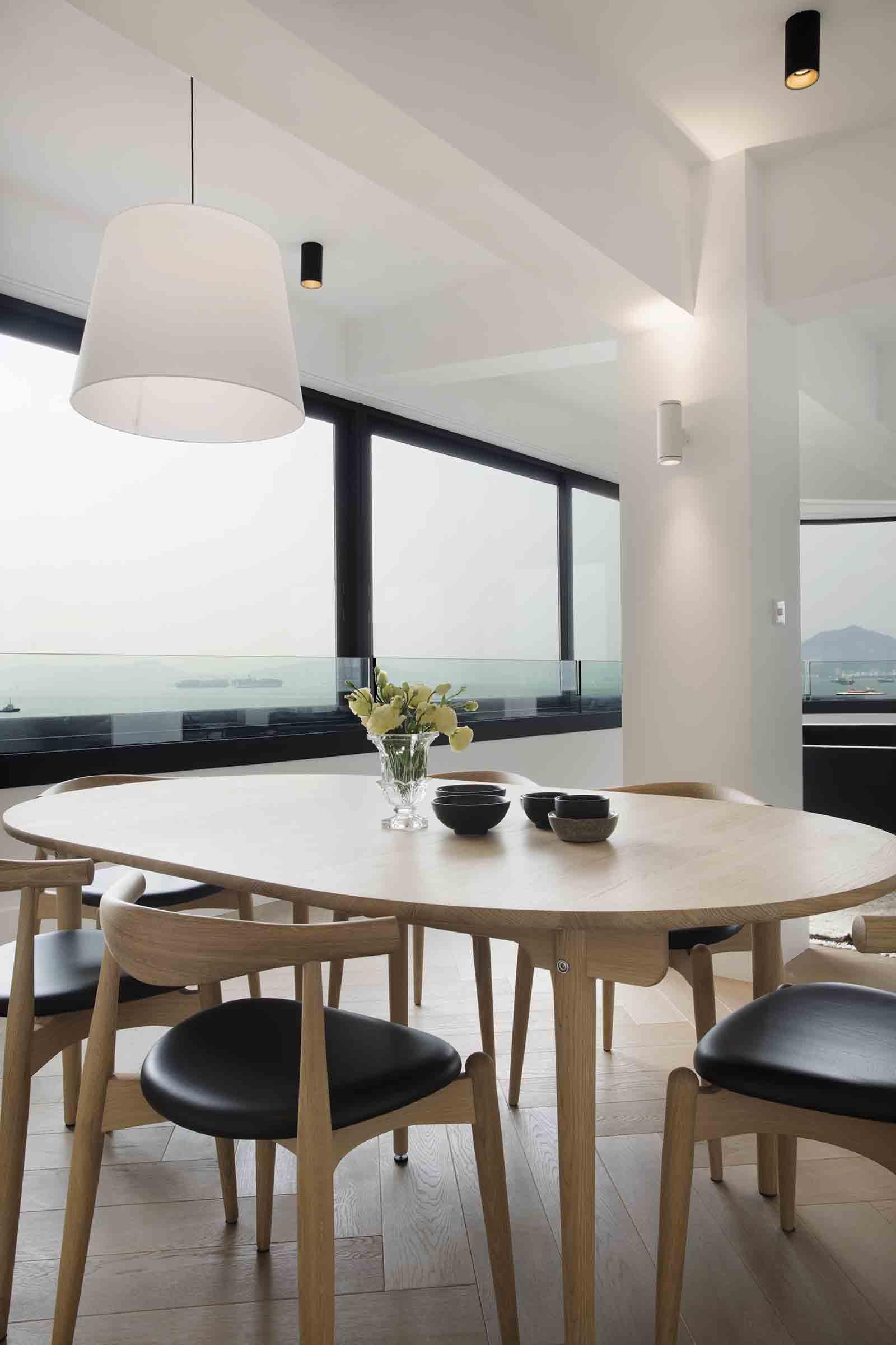 Carl Hansen furniture in a KTown apt. Image by Denice Hough.jpg