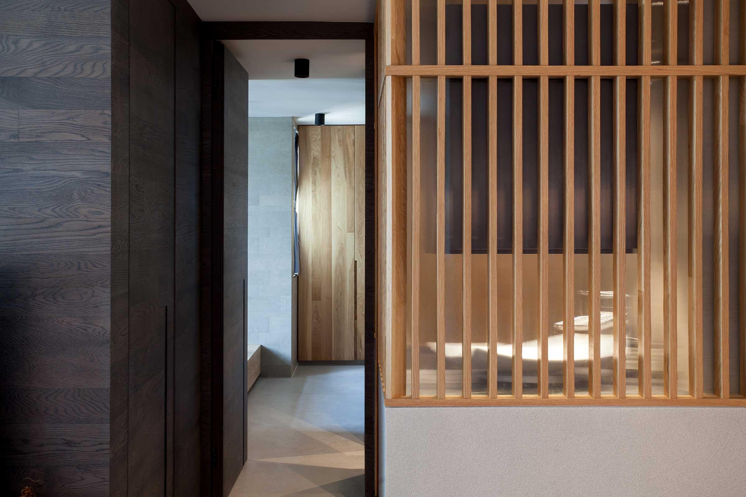 L-Corridor-Bathroom.jpg