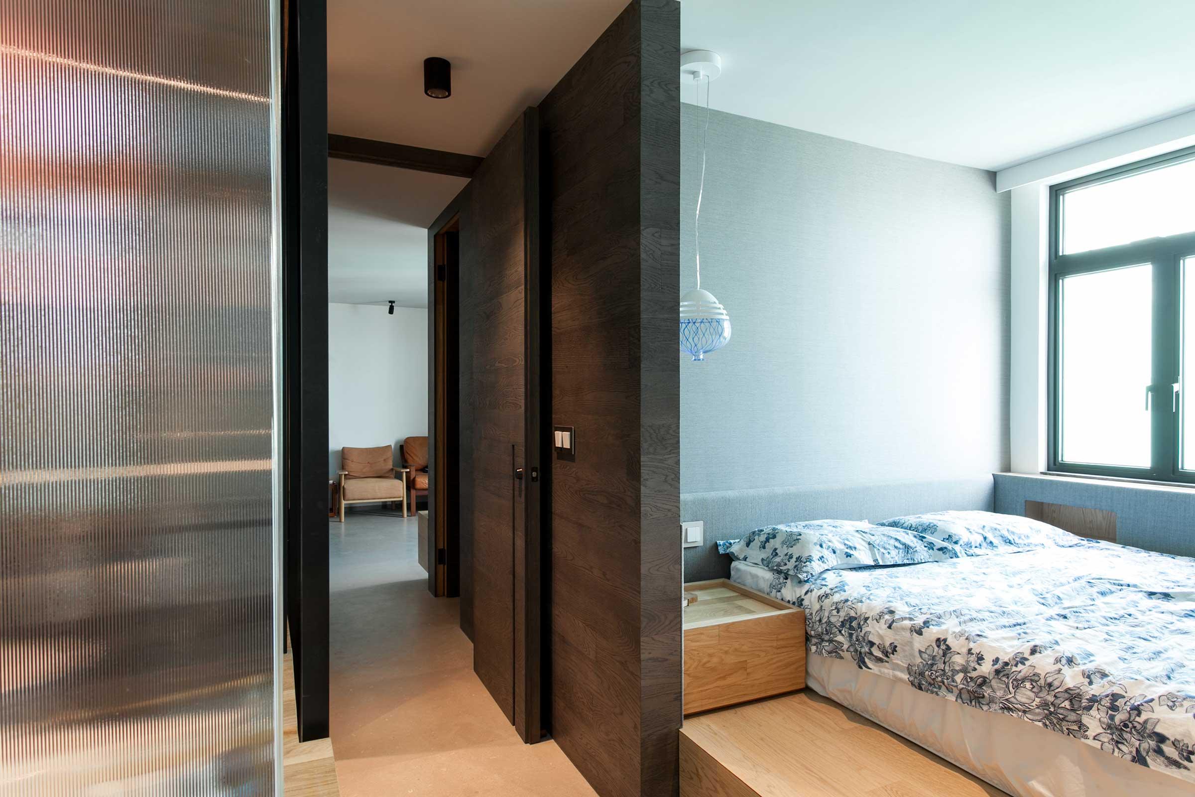 L-Bedroom.jpg